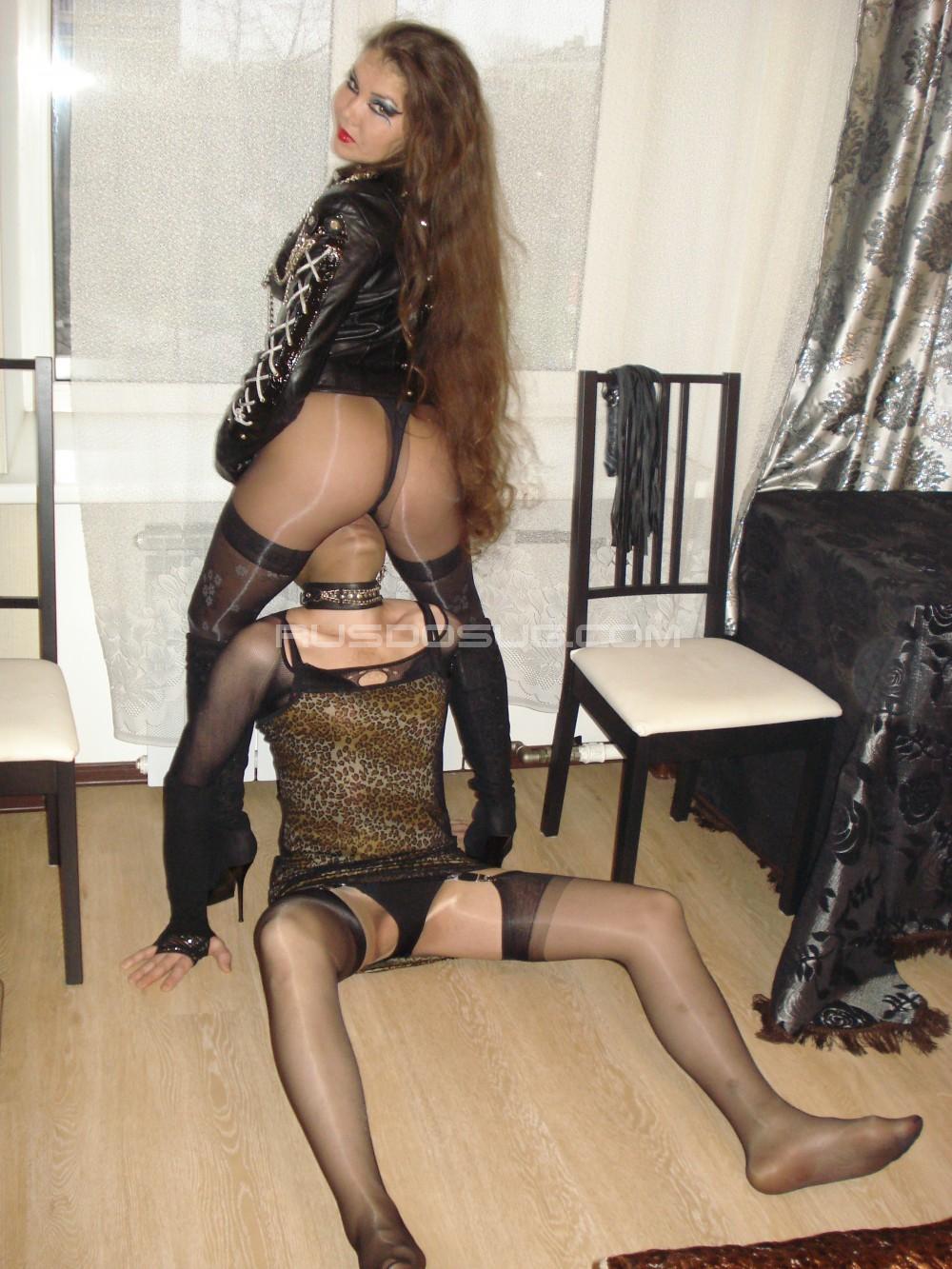 prostitutki-straponessi-moskvi